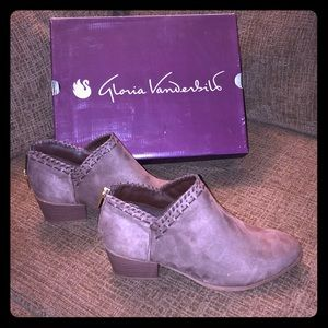 NEW Gloria Vanderbilt Ankle Boots Memory Foam 10